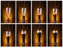 Versamento della birra scura Immagini Stock Libere da Diritti