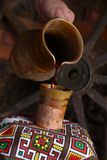 Versamento tradizionale del vino Immagine Stock Libera da Diritti