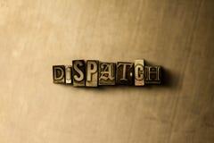 VERSAND - Nahaufnahme des grungy Weinlese gesetzten Wortes auf Metallhintergrund Lizenzfreie Stockbilder