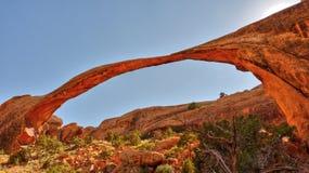 Verschönern Sie Bogen im Bogen-Nationalpark nahe Moab landschaftlich, Stockbilder