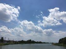 verschönern Sie sehr Himmel Stockbilder