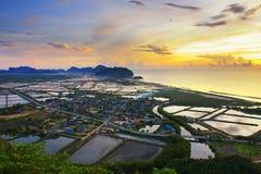 Verschönern Sie Veranschaulichung bei Khao Daeng, Sam-ROI Yod landschaftlich lizenzfreies stockbild