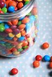 Verschüttete Bonbons Lizenzfreies Stockbild