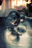 Verschüttetes Glas von Martini Lizenzfreie Stockbilder
