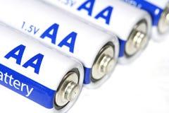 Verscheidene aa-batterijen Stock Afbeeldingen