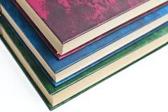 Verscheidene boeken, witte achtergrond Stock Foto