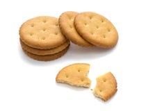 Verscheidene crackers, die op wit worden geïsoleerdn Royalty-vrije Stock Afbeelding