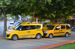 Verscheidene gele taxis Royalty-vrije Stock Fotografie