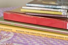 Verscheidene uitgaven in verschillende talen van Moomin-boeken Royalty-vrije Stock Foto's
