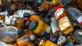 Verscheidene vaten van giftig afval royalty-vrije stock afbeelding