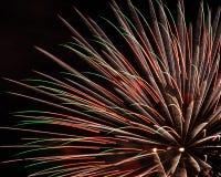 Verscheidene vuurwerkshells het exploderen Stock Afbeelding