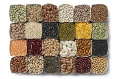 Verscheidenheid van droge bonen en linzen Stock Afbeelding