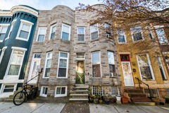 Verscheidenheid van Kleurrijke Rijhuizen in Hampden, Baltimore Maryland Stock Fotografie