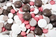 Verscheidenheid van verschillende pillen Stock Afbeeldingen