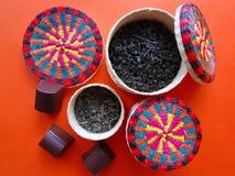Verscheidenheid van zwarte en groene thee stock foto