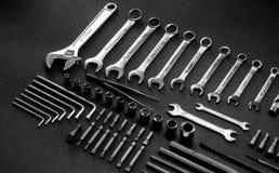 Verscheidenheidstypes van moersleutels en moersleutels bij hardwarewinkel Stock Foto's