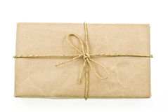Verschepend pakket dat door de post wordt verzonden Stock Foto's