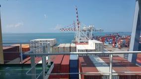 Verschepende containers op schip 03 royalty-vrije stock foto