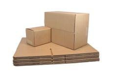 Verschepende Kartons (met het knippen van weg) Stock Afbeeldingen