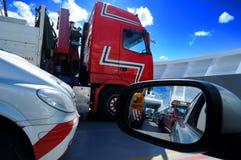 Verschepende vrachtwagens stock foto
