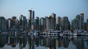 Verschieben-Film der im Stadtzentrum gelegenen Stadt Vancouvers Britisch-Columbia Kanada BC eine frühe Dawn Morning bei Sonnenauf stock video