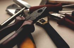 Verschieden und viele Werkzeuge lizenzfreie stockbilder