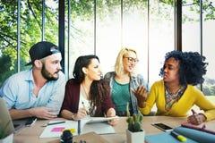 Verschiedenartigkeits-Freunde Team Brainstorming Community Concept Lizenzfreies Stockfoto