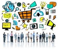 Verschiedenartigkeits-Geschäftsleute Online-Marketings-Fachmann-Team- Stockfotografie