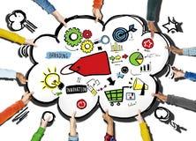 Verschiedenartigkeits-Hände, die freiwilliges Teamwork-Stützkonzept einbrennen lizenzfreie abbildung