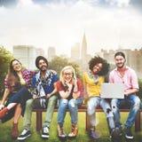 Verschiedenartigkeits-Jugendlich-Freund-Freundschaft Team Concept lizenzfreie stockbilder