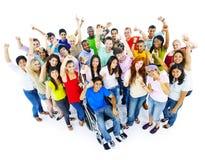 Verschiedenartigkeits-Leute-Mengen-Freund-Kommunikations-Konzept lizenzfreies stockbild