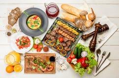 Verschiedene Abendessenteller Stockfotos