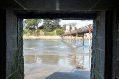 Verschiedene Ansichten eines mittelalterlichen Schlosses, nahe dem Strand und schließen an Lizenzfreie Stockbilder