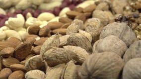 Verschiedene Arten der Nüsse stock video footage