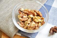 Verschiedene Arten der Nüsse Stockfotos