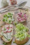 Verschiedene Arten von bunten Sandwichen Stockfotografie