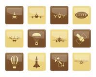 Verschiedene Arten von Flugzeug-Illustrationen und Ikonen über braunem Hintergrund Stockfotografie