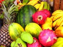 Verschiedene Arten von Früchten Stockbilder
