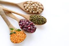 Verschiedene Arten von Hülsenfrüchte - Bohnen, Linsen, Kichererbsen, Mung stockfotos
