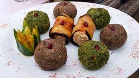 Verschiedene Arten von Pkhali oder von Mkhali ein traditioneller georgischer Teller stockbild