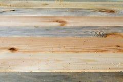 Verschiedene Beschaffenheiten der Kiefernbretter fest gepasst Stockbilder