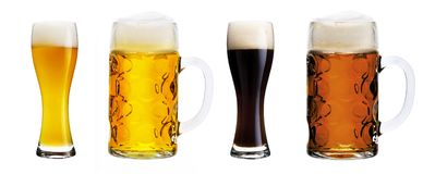 Verschiedene Biergläser stockfotos