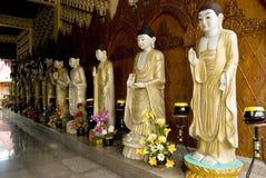 Verschiedene Bilder von Buddha, birmanischer Tempel Dhammikarama, Penang Stockbild