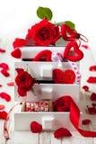 Verschiedene Dekorationen für Valentinstag Stockfotos
