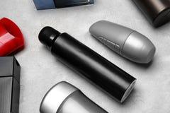 Verschiedene desodorierende Mittel für Männer Stockfotografie