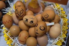 Verschiedene emotionale Eier Stockfotos