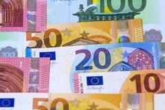 Verschiedene Eurogeldbanknoten für Verwendung als Hintergrund Stockfoto