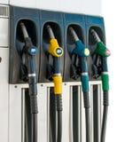 Verschiedene Füllungspistolen für Kraftstoff stockbilder