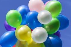 Verschiedene farbige Ballone Lizenzfreie Stockbilder