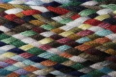 Verschiedene farbige Baumwolle schnitt Threadmustermakronahaufnahme Stockfotografie